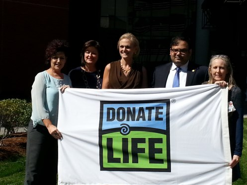 "Erlanger raises ""Donate Life Flag"""