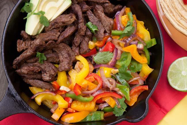 "Healthy recipe: Steak Fajita Bowl with Cauliflower Lime ""Rice"""
